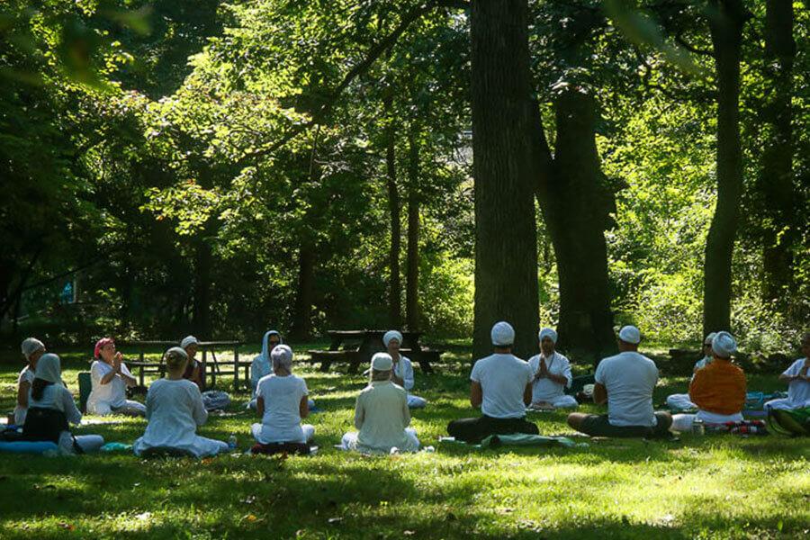 Khalsa group meditating