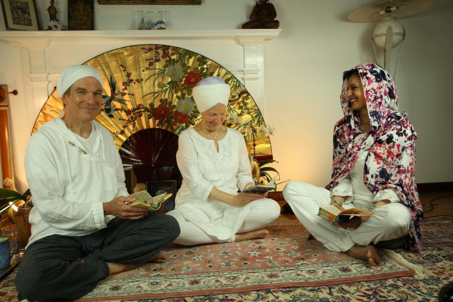 Harvinder Japji Nirbhe Kaur Daya Randhir happy.jpg